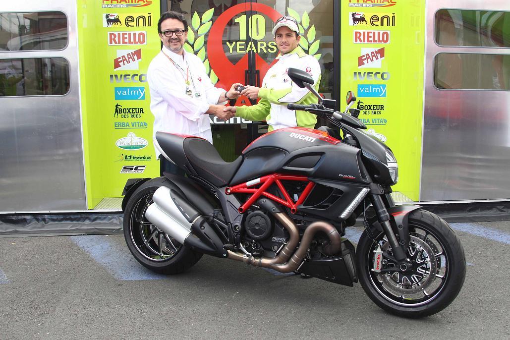 Randy de Puniet et sa Ducati Diavel